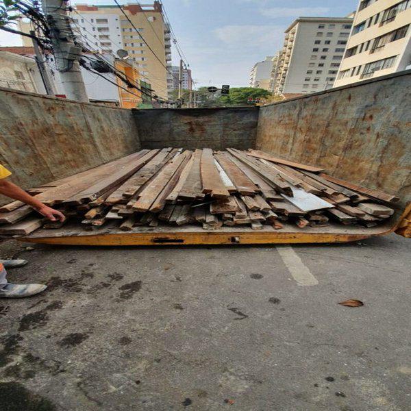 Demolição manual de concreto simples