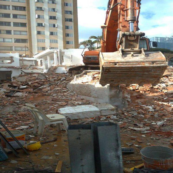 Demolição de obras irregulares