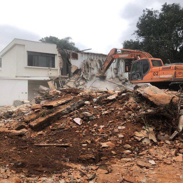 Empresa especializada em demolição