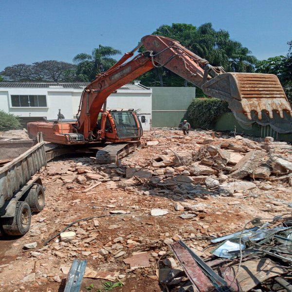 Serviço de demolição