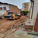Demolição de casas antigas