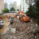 Demolição de prédios antigos